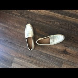 Sperry Penny Loafers in platinum.  Size 10